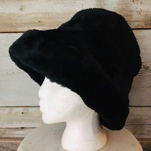 Accessories - Gorgeous Black Faux Fur Women's Hat